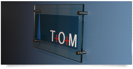 10mm glass panel sign with raised lettering