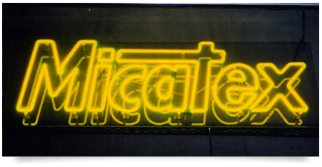 double tube neon signs in yellow